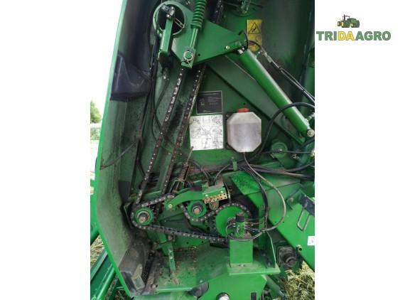 Прес-підбирач рулонний John Deere 864 Premium (2010)