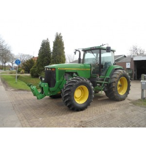 Трактор John Deere 8300 (1997)